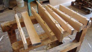 Bodenstücke: Geschilft und mit Dübeln versehen